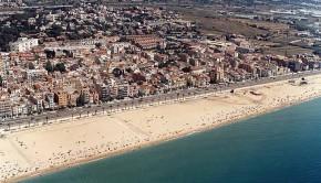Vue aérienne de la plage d'Ocata à Barcelone