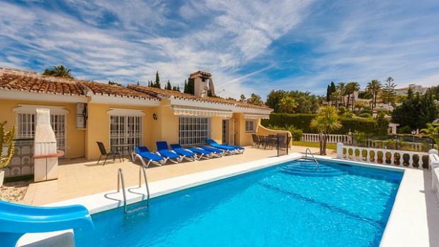 location villa piscine espagne